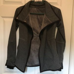 Ivivva sz 10 spring/fall jacket